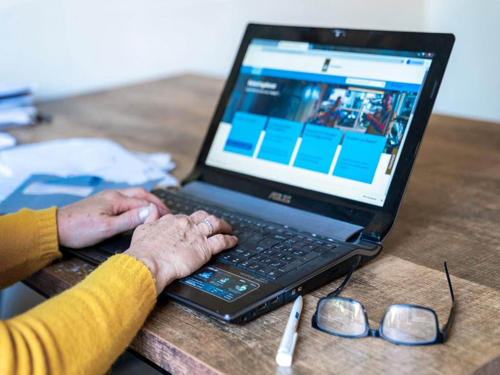 Eijck ZorgSupport biedt ondersteunende mantelzorg, zodat u langer thuis kunt blijven wonen